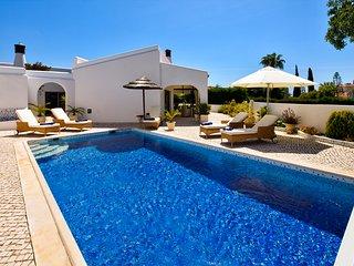 Villa Carvoeiro 134, close to center and beach! - Carvoeiro vacation rentals