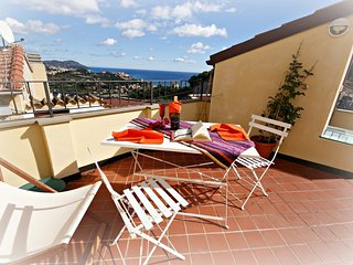 Lovely 2 bedroom Apartment in Poggi - Poggi vacation rentals
