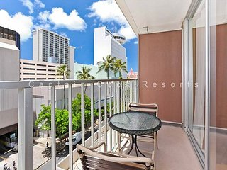 UPGRADED studio with kitchenette, A/C, FREE parking and WiFi! - Waikiki vacation rentals