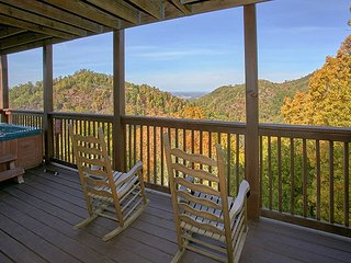 Mountain View 1 Bedroom Cabin with Pool Table, Jacuzzi Tub and Hot Tub - Sevierville vacation rentals