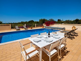 Villa Michel: Villa 10 minutes walk from the beach - Carvoeiro vacation rentals