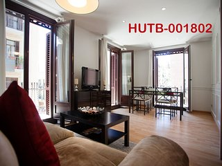 Paralel 1 Apartment. Close to Ramblas and Metro - Barcelona vacation rentals