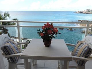 Beautiful Condo with A/C and Satellite Or Cable TV - Maho vacation rentals