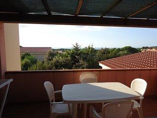 Trilocale 7 posti Spazioso con terrazza attrezzata - Rena Majore vacation rentals