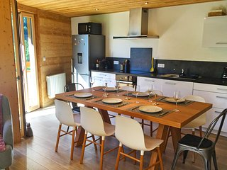 Lovely Condo with Internet Access and Television - La Chapelle-D'Abondance vacation rentals