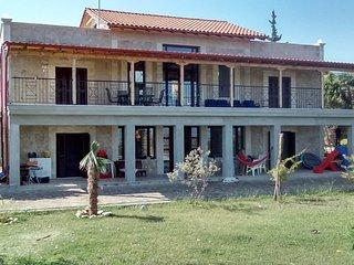 villa 240m2 (4 studios de 35m2 +2 salons 50m2 mezz - Vergina vacation rentals