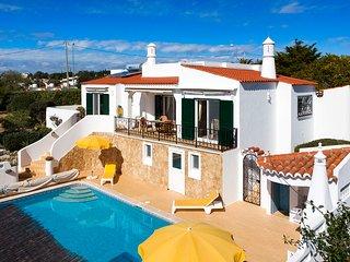 Villa Juamar: Lovely 3 bedroom villa close to the beach and Carvoeiro - Carvoeiro vacation rentals