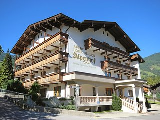 Bright 4 bedroom Apartment in Fugen with Internet Access - Fugen vacation rentals