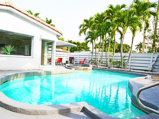 Remarkable Villa #1 with Pool minutes from stunning Hollywood Beach - Hollywood vacation rentals