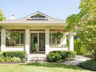 Roseneath Cottage, wifi, couples, families - Niagara-on-the-Lake vacation rentals