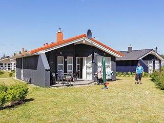 Cozy House in Gromitz with Television, sleeps 6 - Gromitz vacation rentals