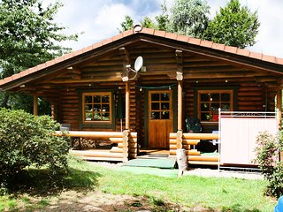Nice House with Internet Access and Shared Outdoor Pool - Schwollen vacation rentals