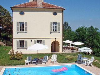 Nice House with Shared Outdoor Pool and Television - Bene Vagienna vacation rentals