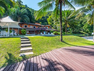 W01.329 - PRICE UPON REQUEST - Villa with Boat in - Angra Dos Reis vacation rentals