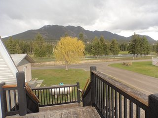 Revelstoke Avenue One Bedroom Suite - Radium Hot Springs vacation rentals