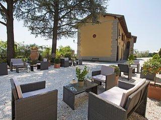 Comfortable Condo with Internet Access and A/C - Ciliegi vacation rentals