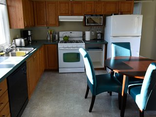 Burlington Escarpment,  The Blue Cottage - Burlington vacation rentals
