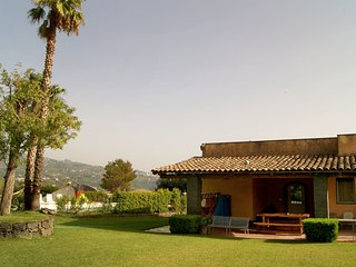 Beautiful House with Shared Outdoor Pool and Television - Giarre vacation rentals