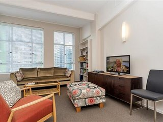 Spacious Modern City Apartment Close to Takautai Square & Vector Arena, Auckland - Auckland vacation rentals