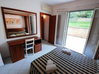 Romantic 1 bedroom Apartment in Cefalu with Television - Cefalu vacation rentals