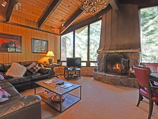 Sunny Chamberlands Home with HOA Access - Tahoma vacation rentals