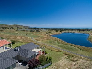 18th Tee - Golfers Paradise - 52 Huntingdale Drive, Normanville - Normanville vacation rentals