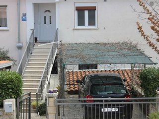 Nice Apartment with Television and Satellite Or Cable TV - Malinska vacation rentals