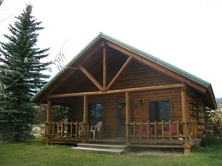 Yellowstone Country Cabins - Bear Cabin - Emigrant vacation rentals