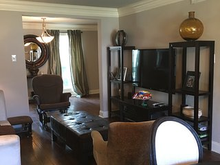 Clean Spacious Home with 8 beds and 6 miles from French Quarter - Terrytown vacation rentals