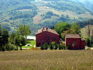 1 bedroom Apartment in Tredozio, at the border to Tuscany, Italy : ref 2259125 - Tredozio vacation rentals