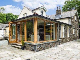 BOBBIN MILL COTTAGE, en-suite bedrooms, woodburner, private enclosed garden - Newby Bridge vacation rentals