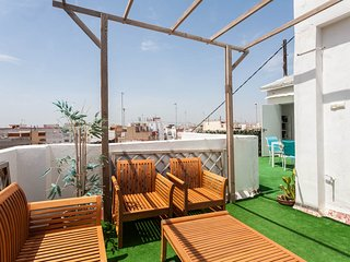 Perfect 2 bedroom Valencia Penthouse with Parking - Valencia vacation rentals