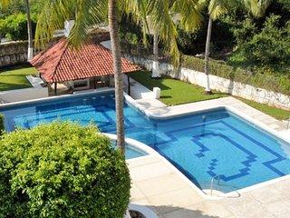 Close to Beach - 2BR / 2BA Penthouse Apartment - Pool - Ixtapa vacation rentals