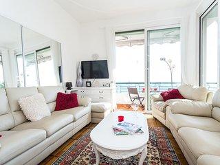 Stunning luxurious 2b/2b apartment with panoramic breathtaking sea views - Nice vacation rentals