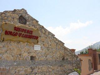 Borgo U' Carrozzo Casa con 3 Camera da Letto - Rodi' Milici vacation rentals