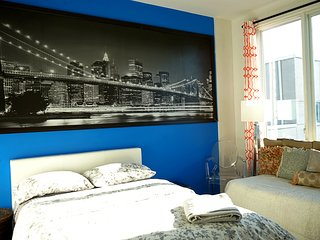 Private Room in 4 Bed, 2 Bath: Gym, Roof, Pool+ - New York City vacation rentals