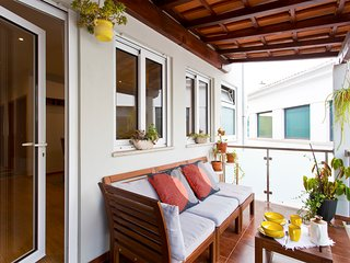 Luxurious Downtown House with Balcony - Porto vacation rentals
