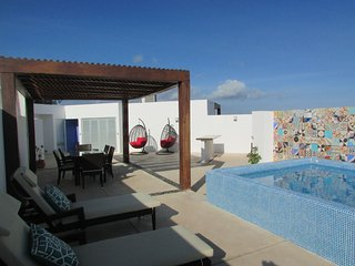 DISCOUNTED RATES - The Best Penthouse with Private rooftop, steps to 5th! - Playa del Carmen vacation rentals