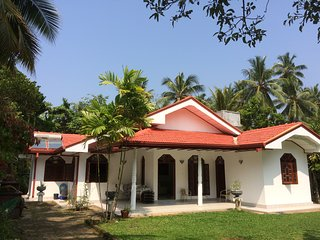 Nice Villa with Washing Machine and Television - Moragalla vacation rentals