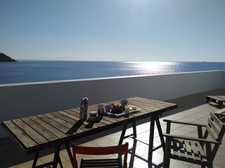 Superbe vue sur le golfe saronique. Amazing & Lovely place ! The place to be ! - Agia Marina vacation rentals