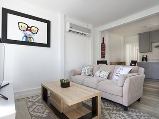 Furnished 2-Bedroom Apartment at Easton Dr & Cabrillo Ave Burlingame - Burlingame vacation rentals