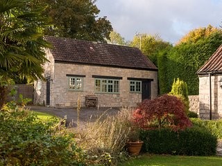 The Snug Holiday Cottage in Bath - Dunkerton vacation rentals