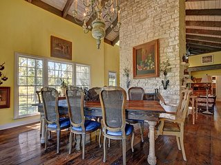Dripping Springs Ranch Surrounded by Adventure – Great for Weddings/Families - Dripping Springs vacation rentals