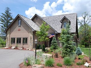 Bear's Retreat- located minutes from Timberline Four Seasons Resort! - Davis vacation rentals