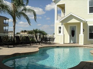 Perfect House with Internet Access and A/C - Reunion vacation rentals