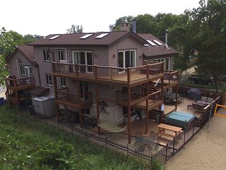 Lux Beachfront Compound on Nat'l Lakeshore, Lake Michigan views, near Chicago - Gary vacation rentals