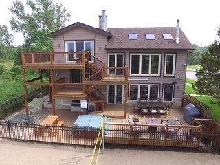 Lux Beachfront Retreat on Nat'l Lakeshore, Lake Michigan views, near Chicago - Gary vacation rentals