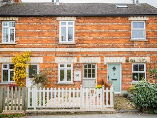 No61-Cosy Cotswold Cottage in lovely Winchcombe - Winchcombe vacation rentals