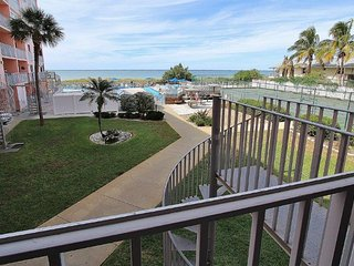 Charming 3 bedroom Indian Rocks Beach Apartment with Internet Access - Indian Rocks Beach vacation rentals