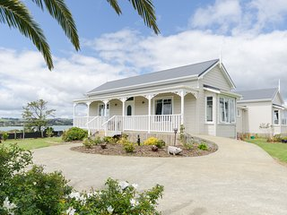 Rosella's Retreat - 3bdrm Cottage - Coopers Beach vacation rentals